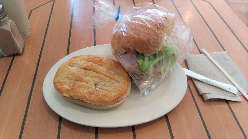 Blue Edge Bakery のパン